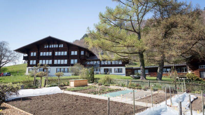 Berner Oberland mit Garten